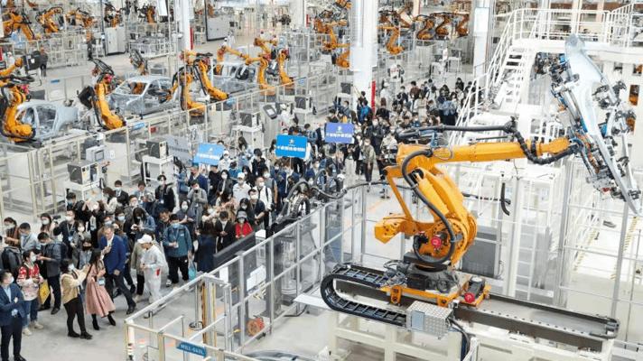 """产线、机器人和""""黑灯""""工厂 恒驰的底气是什么?"""