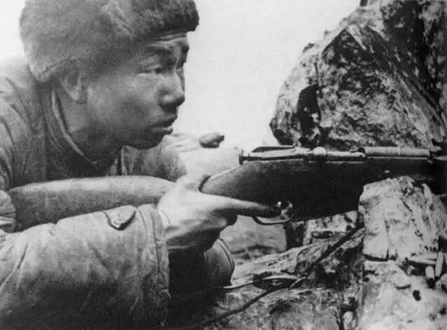 《浴血无名川》中我军狙击手使用无瞄准镜的枪械,符合史实吗_4321经典电影推荐