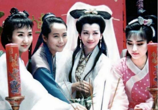 """本来她才是导演看中的""""白娘子"""",因故拒演才有了后来的赵雅芝"""