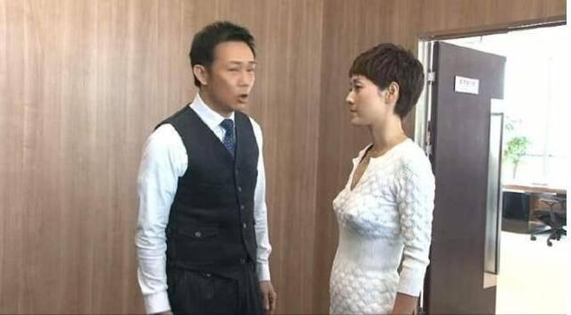 他曾经在香港TVB不愠不火,如今到内地发展成男神,身价过亿