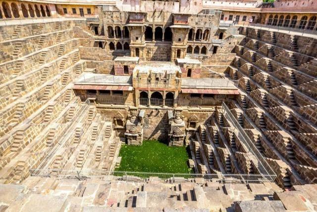 印度的神奇水井,如同一座迷宫一样,1200年来养活30万印度人