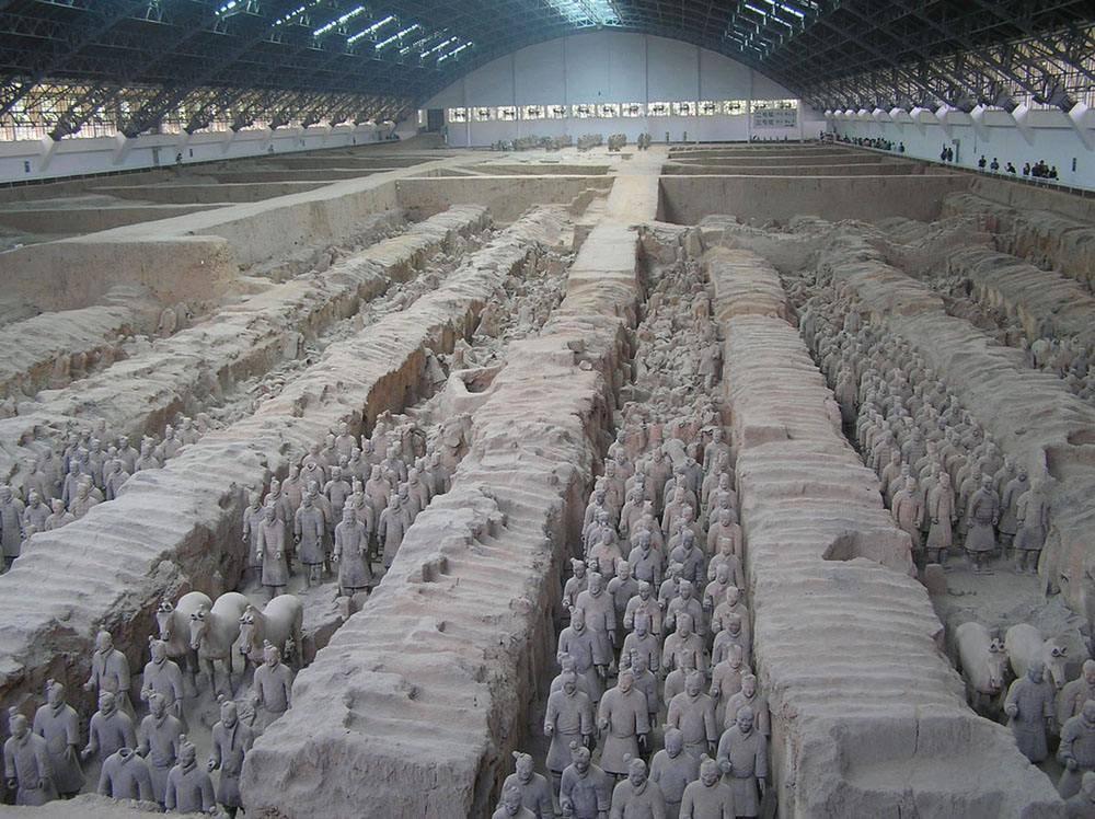 是世界奇迹之一,展现了秦始皇陵的结构布局和设计思想