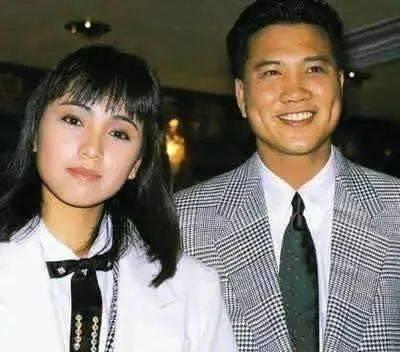 """她被父母抛弃,遭感情背叛,终成TVB""""一姐"""",55岁却仍单身!"""