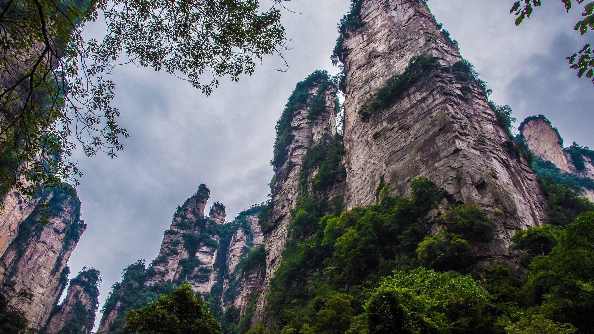 湖南一处景区,拥有奇山异峰3000多座,是5A景区