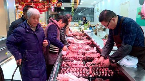 原创             猪肉价格连降12周,老百姓为什么不愿购买?原因实在太现实!