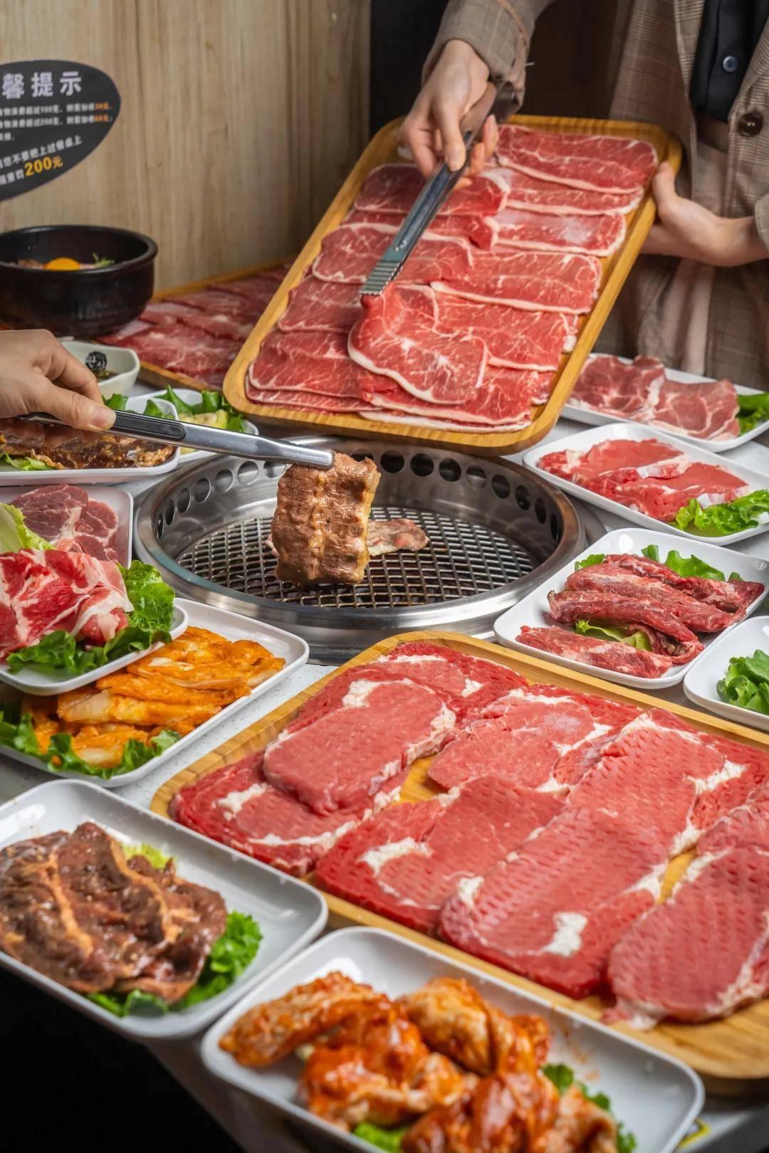 烤肉放题,巴掌大肥牛,爆汁梅花肉...