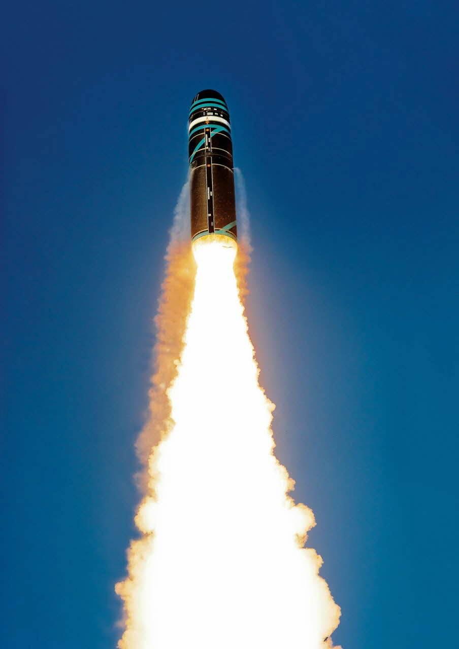 目标:百慕大,法国试射潜射洲际导弹,美国空军顶级侦察机来窥视