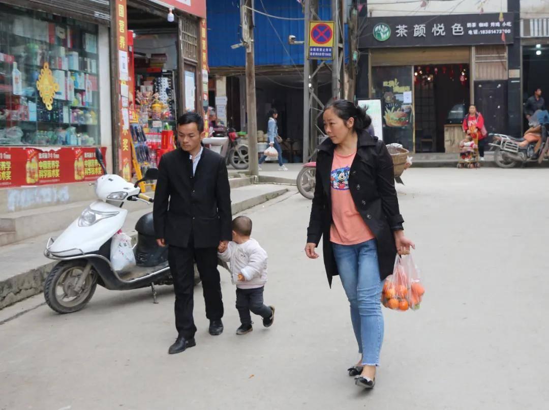 筠连这一群人跑到云南牛寨去都干了些什么?