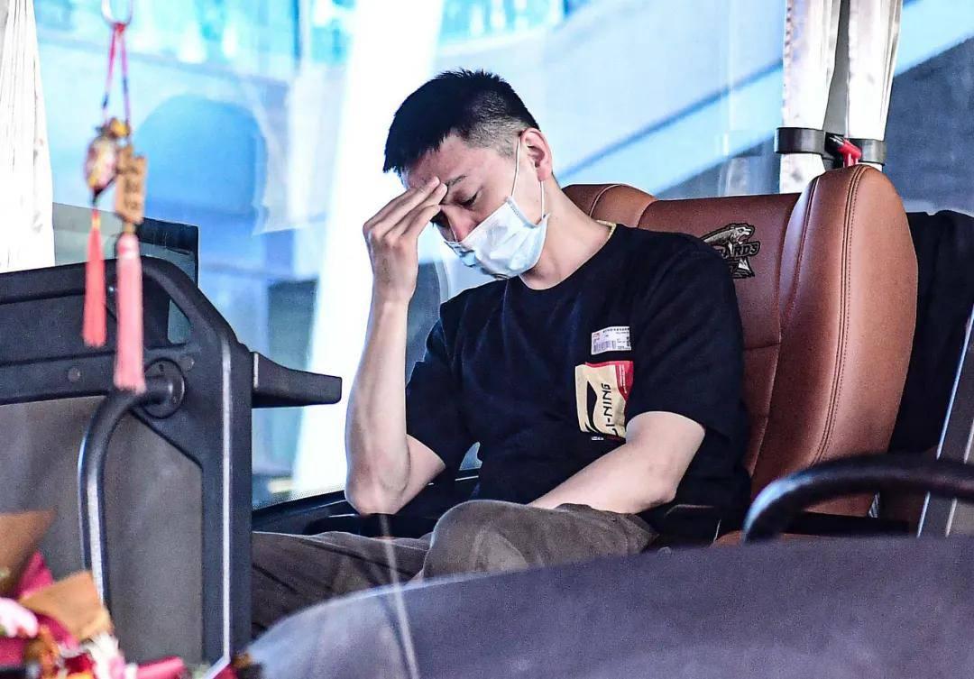 中央电视台户点名表杨明郭艾伦:要在运动员中掌握好综艺。