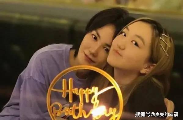 """王菲女儿偶遇张柏芝,主动上前打招呼,李嫣开口把张柏芝""""吓坏""""图片"""