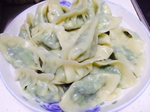 冬至饺子就吃这馅的,2块钱买1大把,包成饺子鲜嫩多汁,美味营养