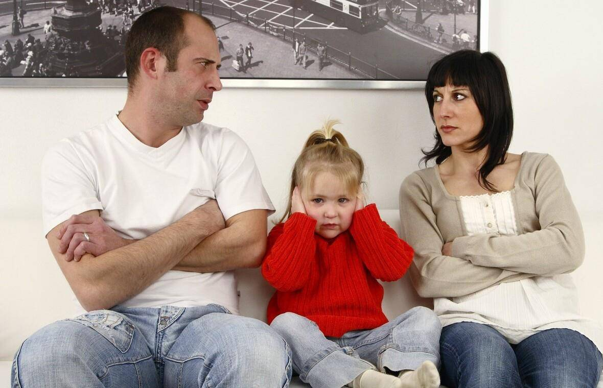 单亲家庭儿子提出 陪读为什么要准备避孕套