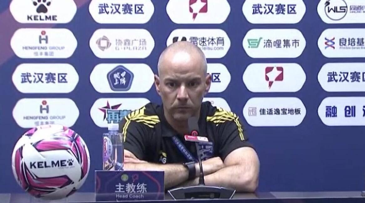 阿尔贝托:武汉三镇本场比赛大轮换,考虑体能方面,还有……