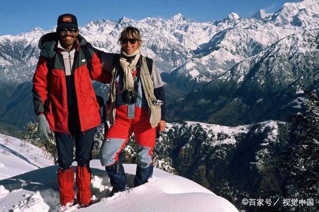 """珠峰神秘夏尔巴人到底有多""""神"""",海拔8千米,背负常人5倍重物"""