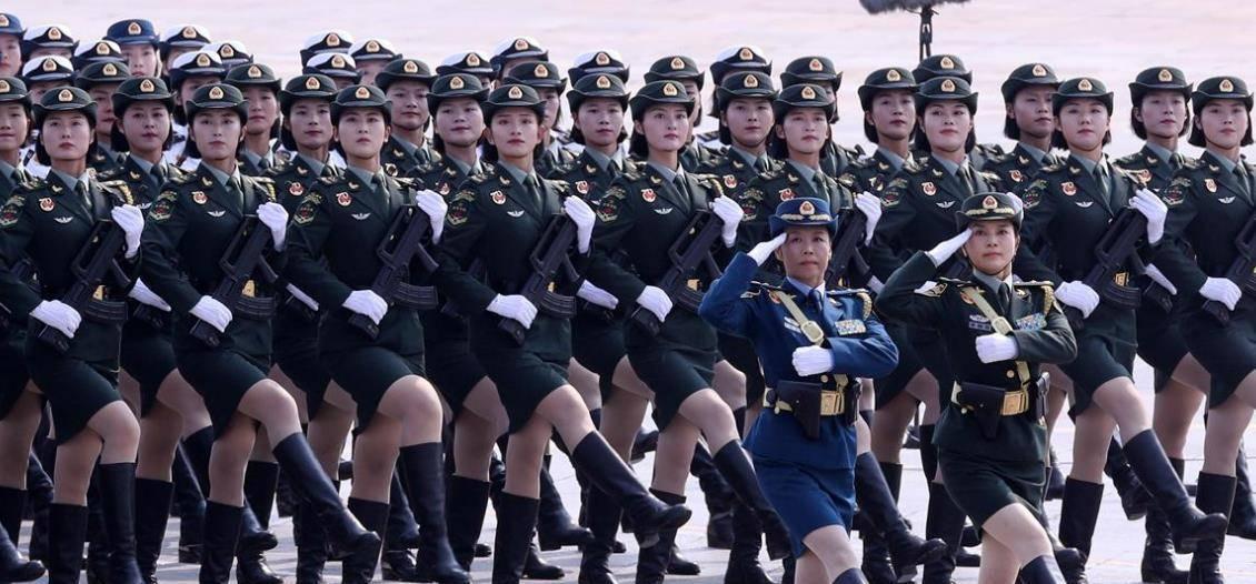 世界各国女兵阅兵风采,巾帼不让须眉,中国女兵表现夺目