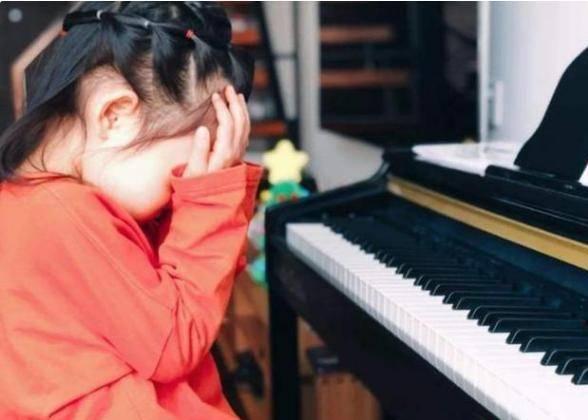 围观中产孩子兴趣班鄙视链,马术第一钢琴垫底,网友:人间不值得