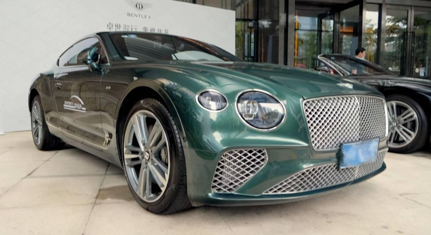 试驾最贵的GT跑车——欧陆GT,自动递安全带的那刻我爱了!