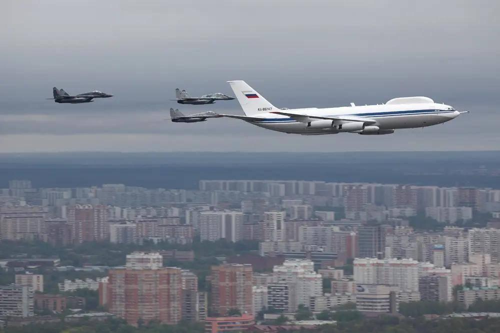俄顶级运输机:伊尔-80到底有快?其巡航速度每小时850公里!