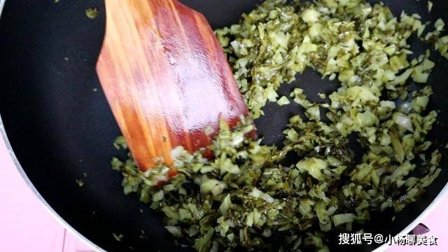 原創             糯米別只會用來包粽子,把它放鍋里一蒸,搭配2種食材,比粽子香