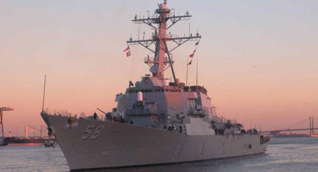 美驱逐舰在海峡被锁定,大批不明战机呼啸飞过,白宫感慨前所未有