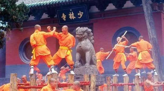 少林寺年收入上亿,那游客捐的香火钱花哪了?释永信:我月薪700
