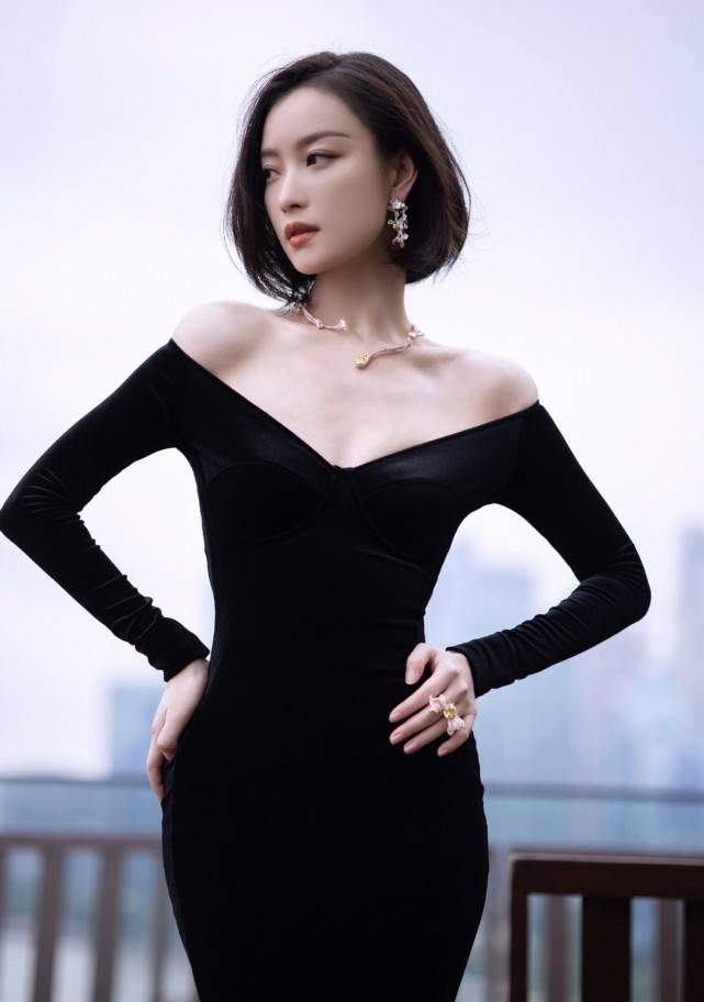 倪妮终于脱掉Gucci!穿黑色鱼尾裙大秀性感身材颜值狂飙太美了