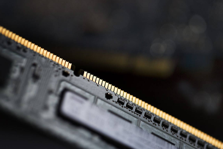 电脑内存条频率取决于CPU还是主板?
