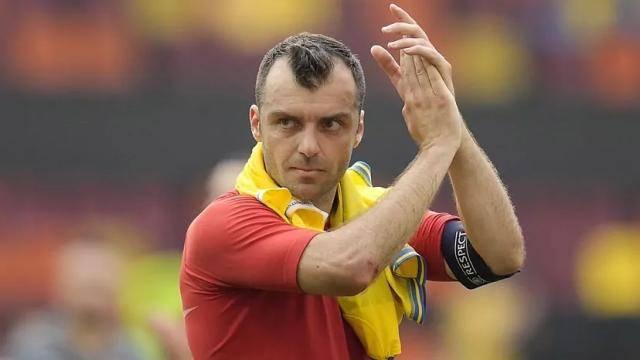 潘德夫颁布发表此役赛撤退退却役 北马其顿活化石就此谢幕_酷游体育