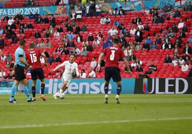 3场2球!英格兰进攻乏力恐难晋级欧洲杯8强?