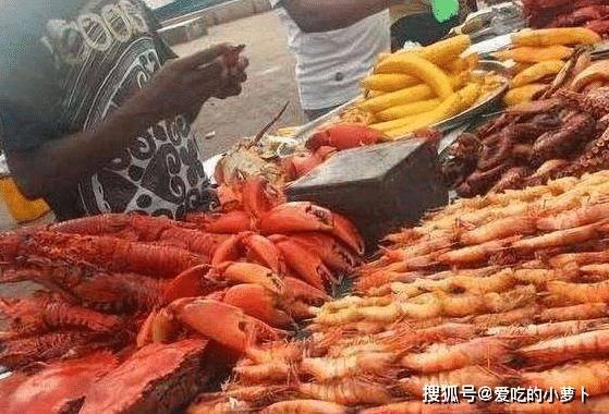 非洲人窮到「吃土」,看了他們的菜市場,才知真正缺的是個好廚子