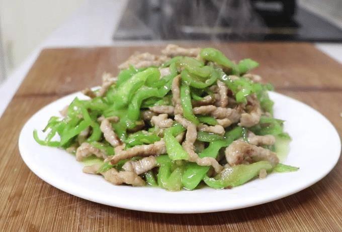 青椒肉絲的好吃做法,肉嫩鮮香,營養下飯,不錯的家常美味