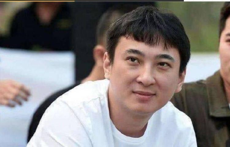 王思聪对发型要求真低!看到他的新发型,网友:Tony老师还笑得出来