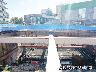"""郑州二七广场隧道离地铁4米多 施工建设堪称""""心脏搭桥"""""""
