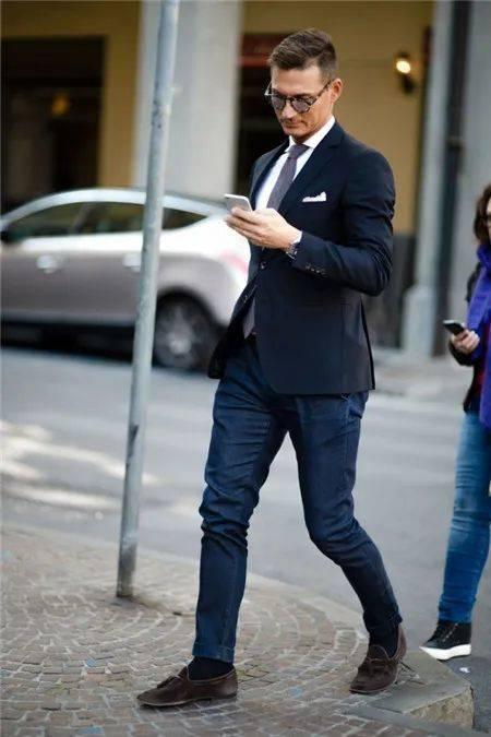 西装搭配牛仔裤 教你穿出时尚型男感~ 爸爸 第2张