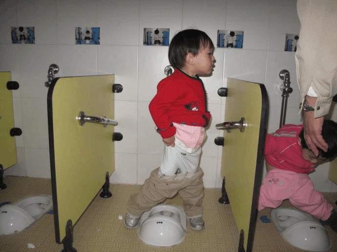 这个节点后不给孩子断纸尿裤,孩子把尿系统会退化,上学后很危险