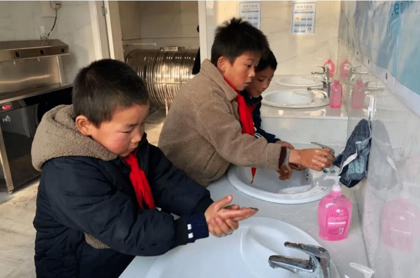 京东超市携手儿慈会关注农村儿童饮水安全-家庭网