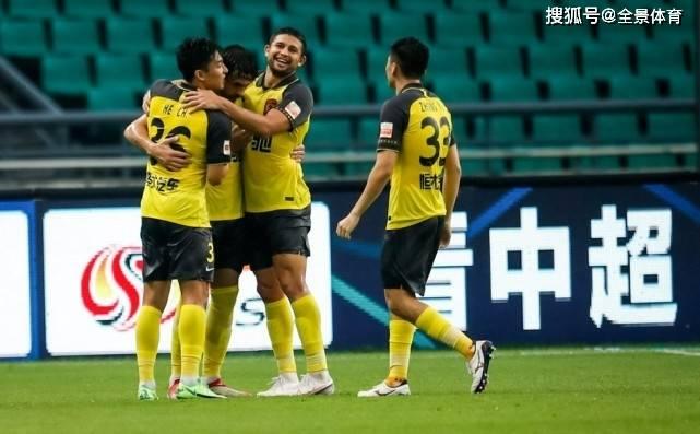 广州队球员评分:杨立瑜7.8分,艾克森8.3分,廖力生全场最高!_盛世娱乐平台