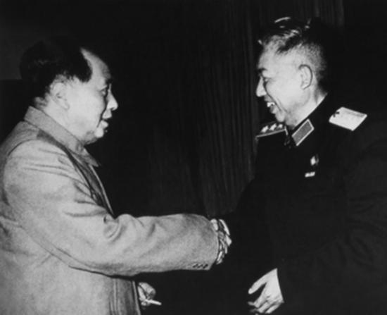 彭德怀命令王平时刻警戒红四军,王平询问毛主席:有人开枪怎么办