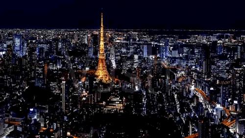 日本东京Tokyo的华人看国内电视节目和听音乐
