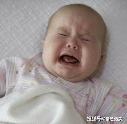 宝宝睡醒后的第一反应是哭还是笑?能猜出宝宝的性格跟智商