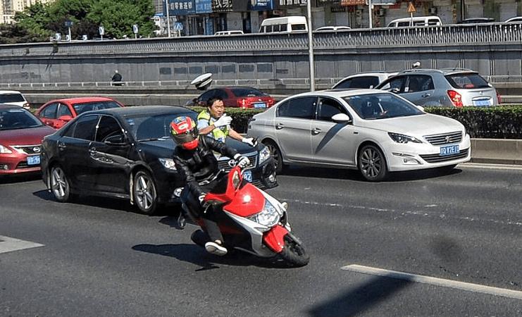 电动车绿牌、蓝牌、黄牌、白牌代表啥意思?怎么上?你都了解吗?1z7
