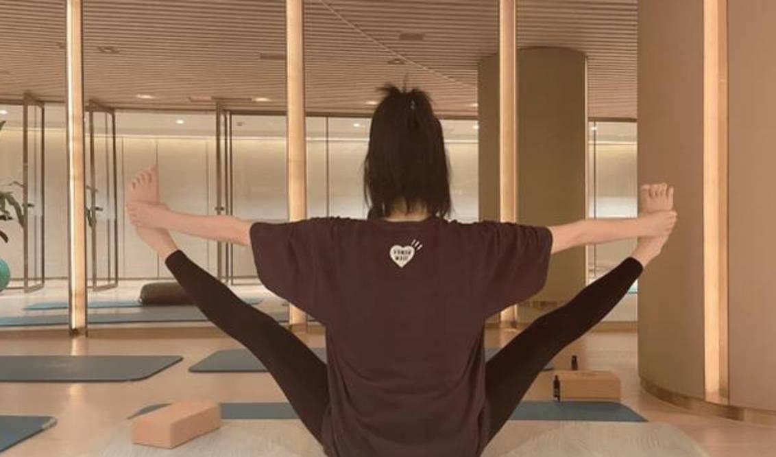 图片[4]-奚梦瑶怀孕六月仍做高难度瑜伽,脸发胖不敢出镜,自曝长高2厘米-番号都