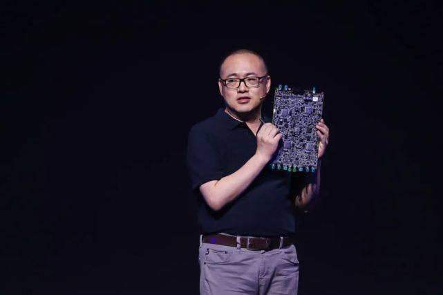 中国智能汽车的两大基石:电力有宁德时代;算力吗?我们有了地平线kax