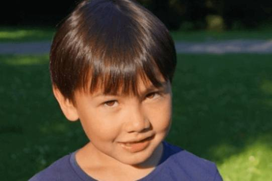 出生在夏季的男孩起名取名:风度翩翩,为人爽朗有