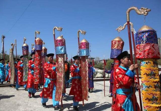 满族的人口_满族或面临人口危机 满族文化的传承延续的源泉