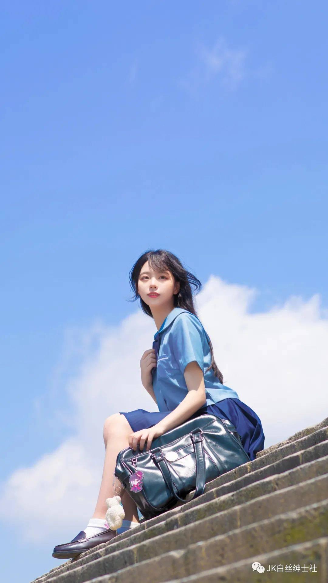 JK少女:码头阳光,还有回眸的她