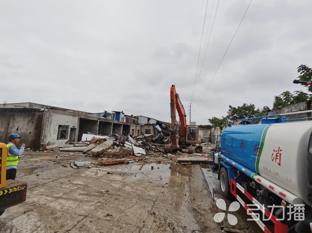 苏州吴中高新区冬青路42号的63间房屋和2处废品收购点被成功拆除