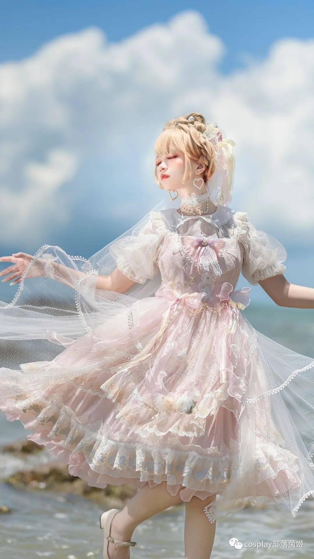 Lolita:桃之春昼,梦中出现无数次的仙女
