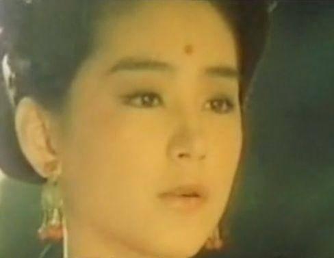 林青霞年轻时的五张照片 在没有PS的年代 美让人移不开眼睛