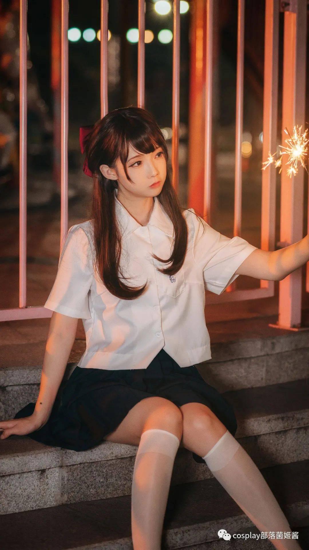 JK少女:日系写真的浪漫烟火
